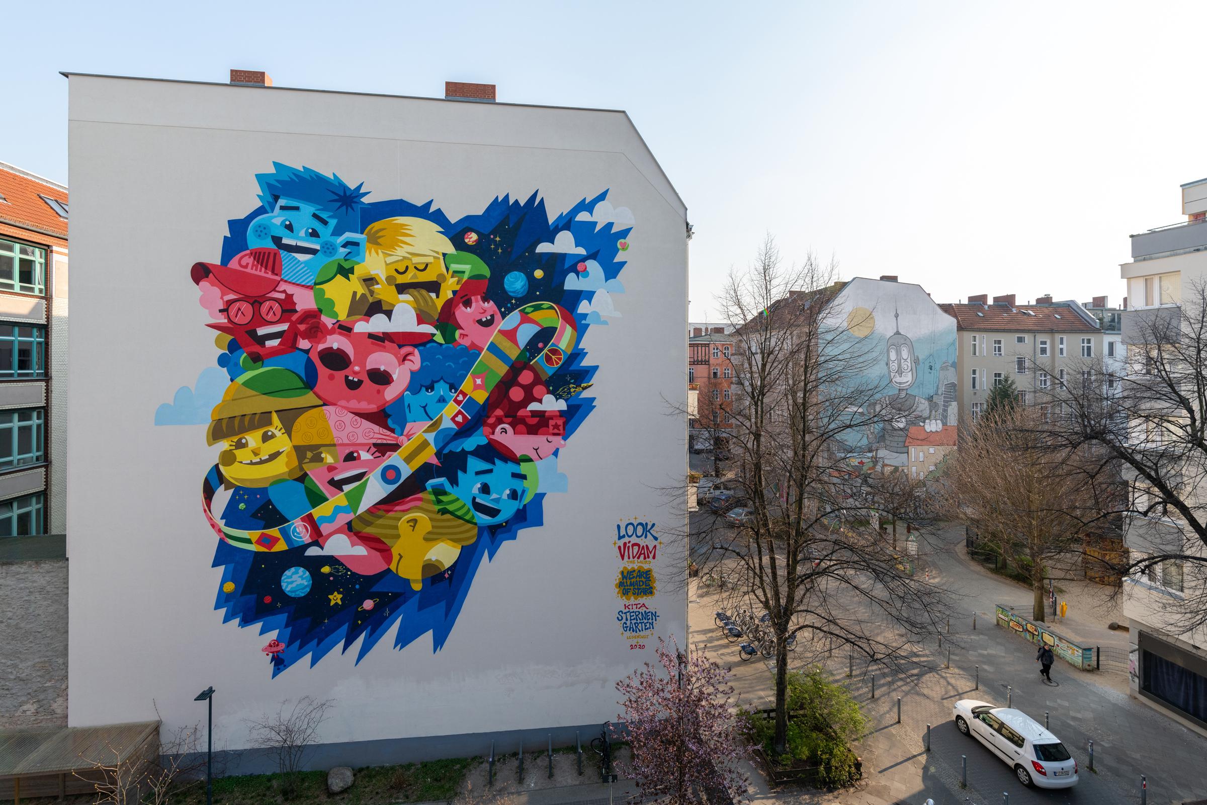 Vidam & Look Mural